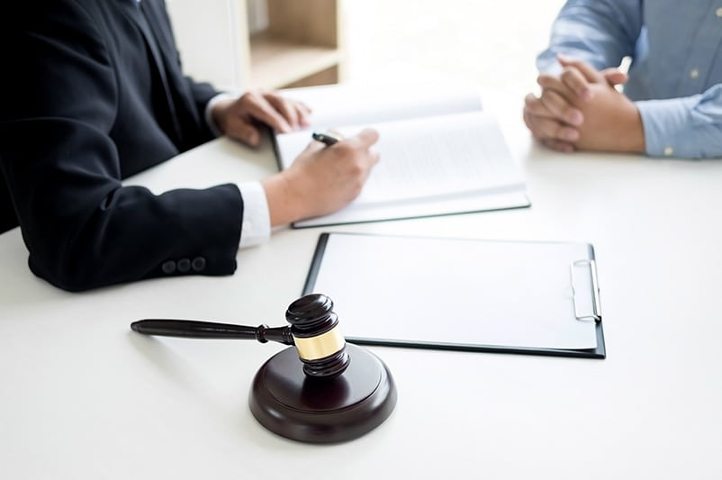 criminal defense lawyer and client